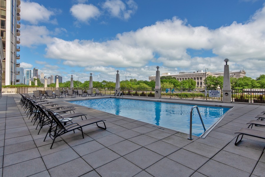 Real Estate Photography - 233 E 13th St, Unit 604, Chicago, IL, 60605 - Pool