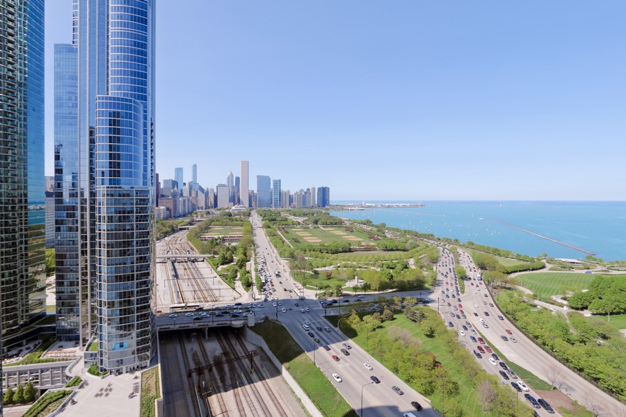 Real Estate Photography - 233 E 13th St, Unit 604, Chicago, IL, 60605 - Views from penthouse party room!