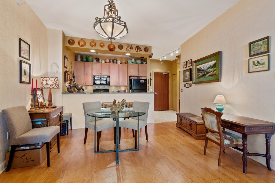 Real Estate Photography - 233 E 13th St, Unit 604, Chicago, IL, 60605 - Kitchen / Dining Room