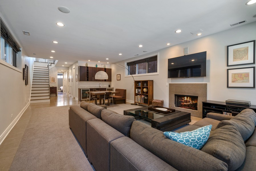 Real Estate Photography - 2419 W Superior St, Chicago, IL, 60612 - Family Room