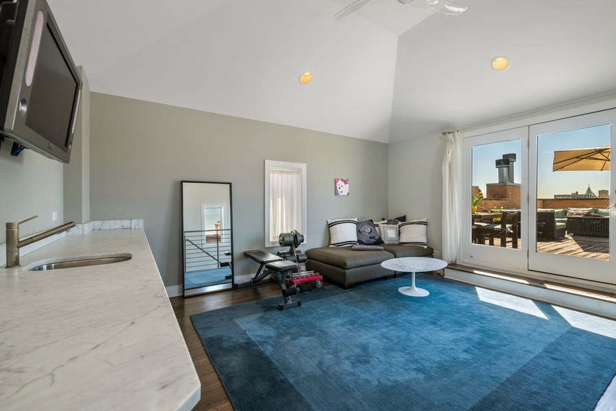 Real Estate Photography - 2419 W Superior St, Chicago, IL, 60612 - Den