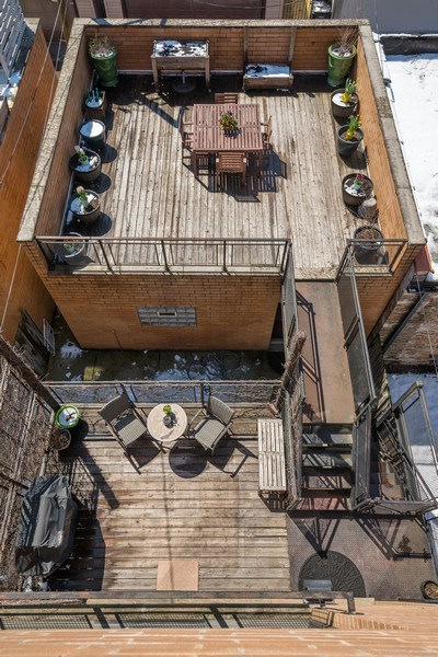 Real Estate Photography - 2419 W Superior St, Chicago, IL, 60612 - Deck