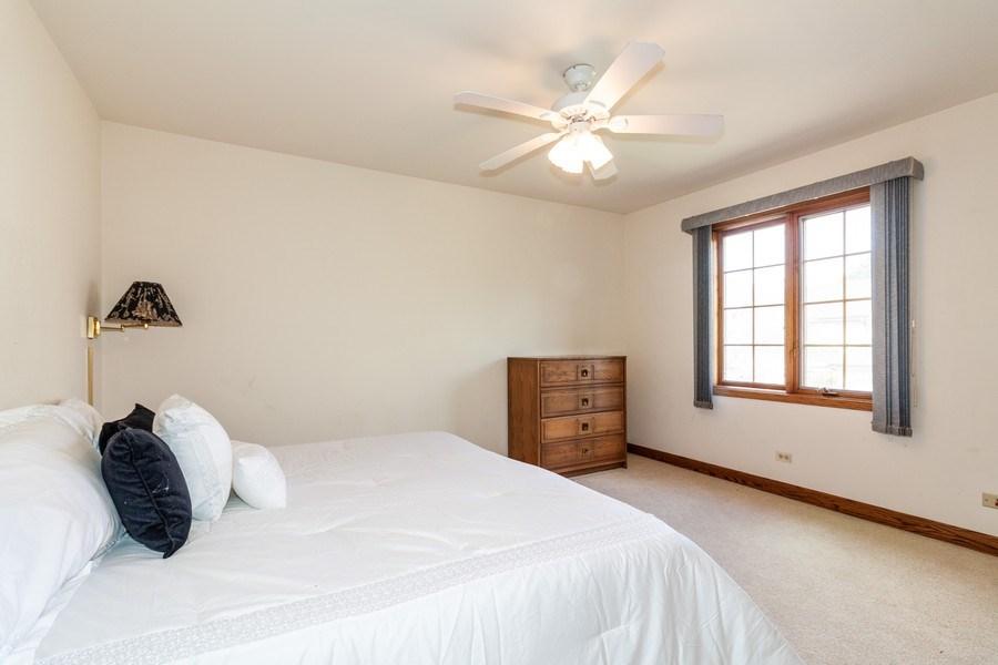 Real Estate Photography - 10 Tartan Ridge Rd, Burr Ridge, IL, 60527 - 2nd Bedroom