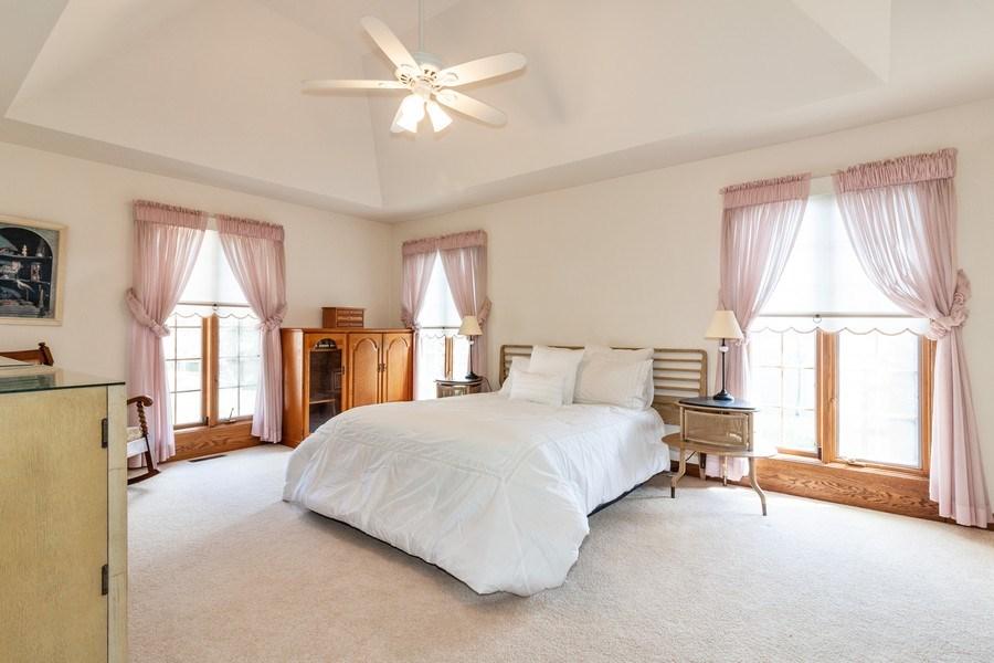 Real Estate Photography - 10 Tartan Ridge Rd, Burr Ridge, IL, 60527 - Master Bedroom