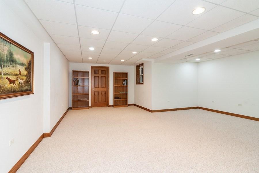 Real Estate Photography - 10 Tartan Ridge Rd, Burr Ridge, IL, 60527 - Game Room