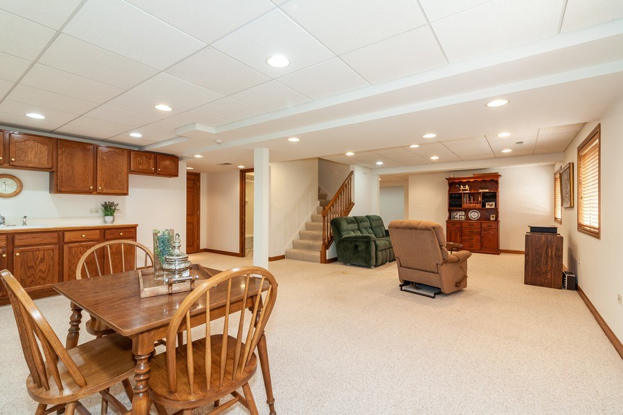 Real Estate Photography - 10 Tartan Ridge Rd, Burr Ridge, IL, 60527 - Bar Area