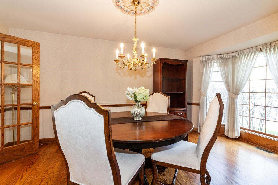 Real Estate Photography - 10 Tartan Ridge Rd, Burr Ridge, IL, 60527 - Dining Area