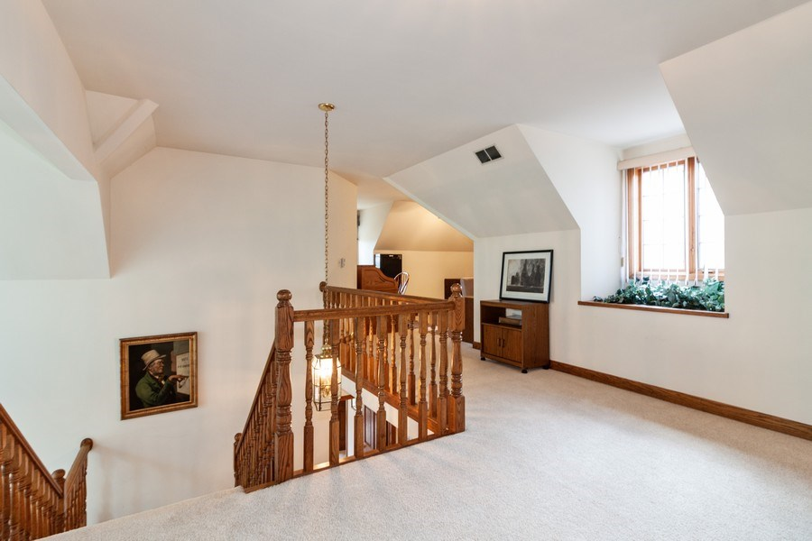 Real Estate Photography - 10 Tartan Ridge Rd, Burr Ridge, IL, 60527 - Loft