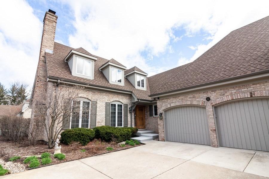 Real Estate Photography - 10 Tartan Ridge Rd, Burr Ridge, IL, 60527 - Front View