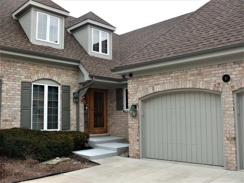 Real Estate Photography - 10 Tartan Ridge Rd, Burr Ridge, IL, 60527 - Front Door