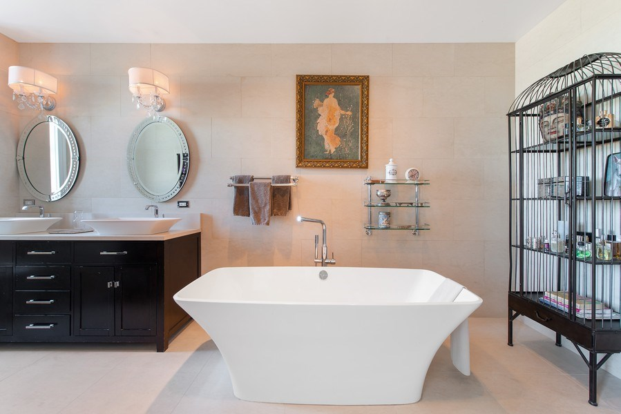 Real Estate Photography - 999 N. Lake Shore, 2A, Chicago, IL, 60611 - Master Bath