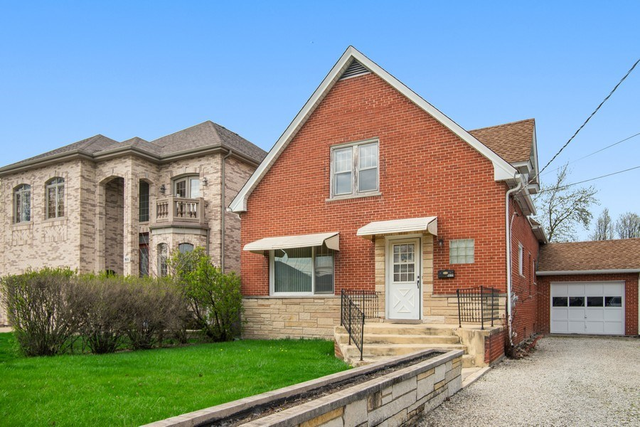 Real Estate Photography - 8632 Stolting Rd., Niles, IL, 60714 - Front View