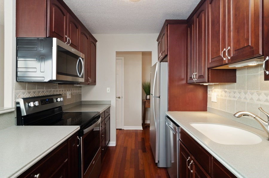 Real Estate Photography - 2700 N Hampden Ct, 21B, Chicago, IL, 60614 - Kitchen