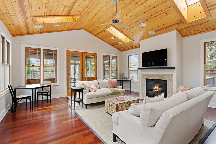 Real Estate Photography - 16204 Quality Ln, Union Pier, MI, 49129 - Family Room