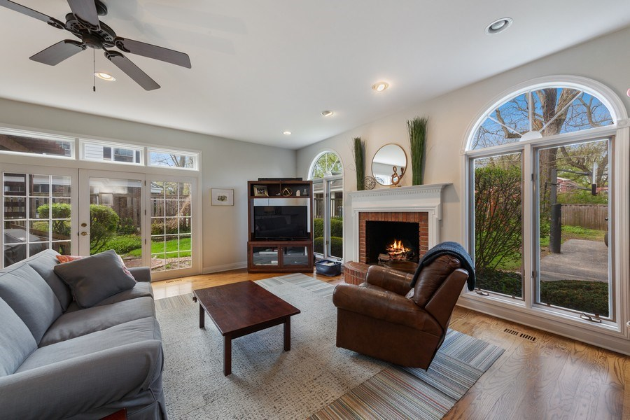 Real Estate Photography - 330 Radcliffe Way, Hinsdale, IL, 60521 - Family Room