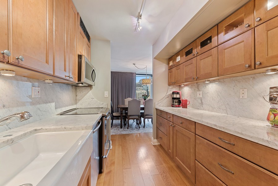 Real Estate Photography - 1310 N Ritchie Ct #14B, Chicago, IL, 60601 - Kitchen
