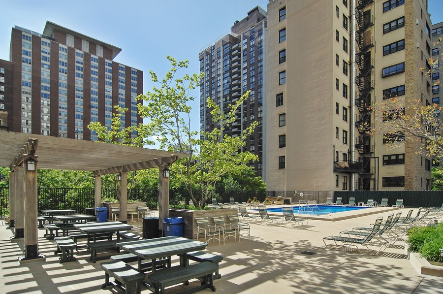 Real Estate Photography - 1310 N Ritchie Ct #14B, Chicago, IL, 60601 - Deck