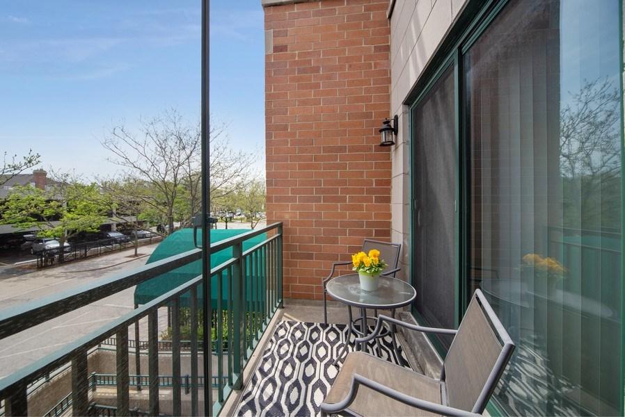 Real Estate Photography - 131 W. Adelaide, 107, Elmhurst, IL, 60126 - Terrace