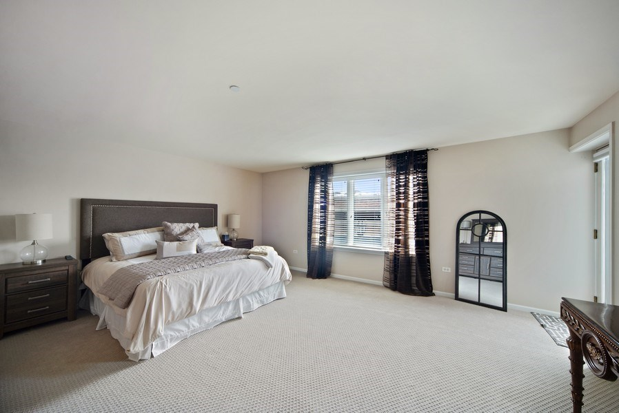 Real Estate Photography - 131 W. Adelaide, 107, Elmhurst, IL, 60126 - Master Bedroom