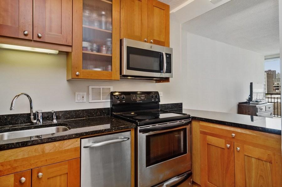 Real Estate Photography - 450 W Briar Pl, Unit 5E, Chicago, IL, 60657 - Kitchen