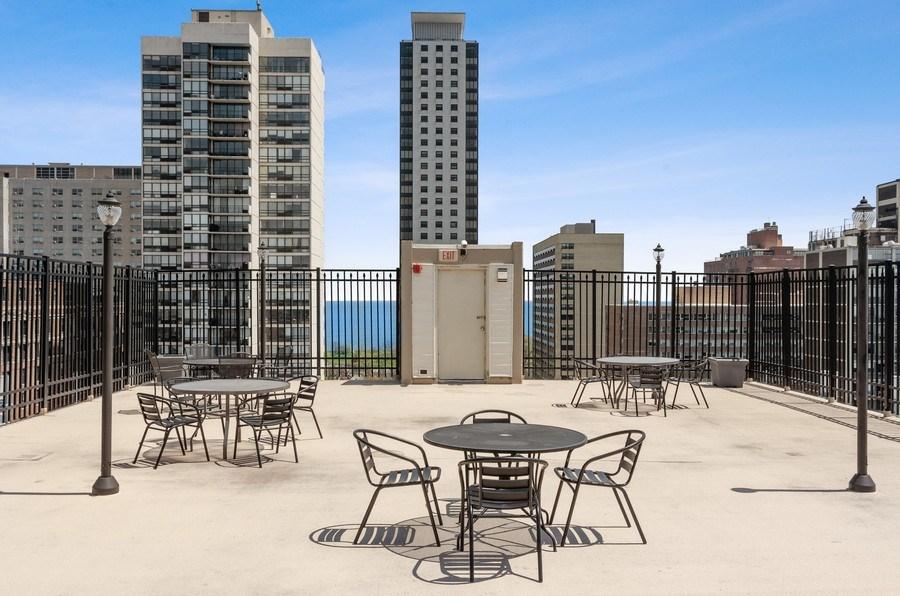 Real Estate Photography - 450 W Briar Pl, Unit 5E, Chicago, IL, 60657 - Roof Deck