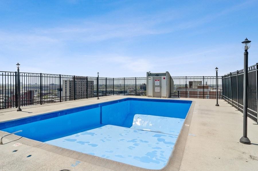 Real Estate Photography - 450 W Briar Pl, Unit 5E, Chicago, IL, 60657 - Pool