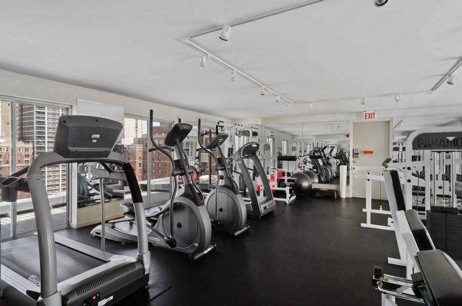Real Estate Photography - 450 W Briar Pl, Unit 5E, Chicago, IL, 60657 - Fitness Center