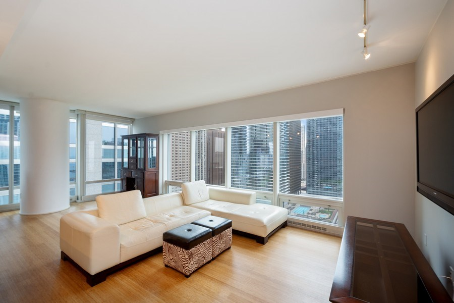 Real Estate Photography - 340 E Randolph Street, #1906, Chicago, IL, 60601 - Living Room