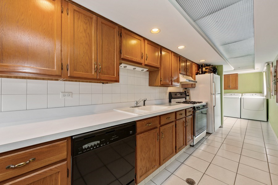 Real Estate Photography - 231 RODGERS CT, WILLOWBROOK, IL, 60527 - Lower Level