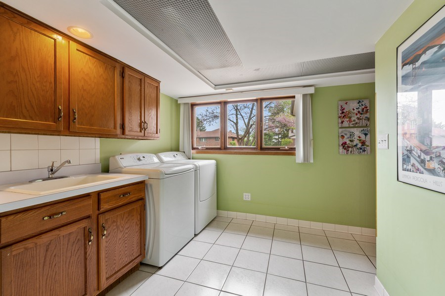 Real Estate Photography - 231 RODGERS CT, WILLOWBROOK, IL, 60527 - Laundry Room