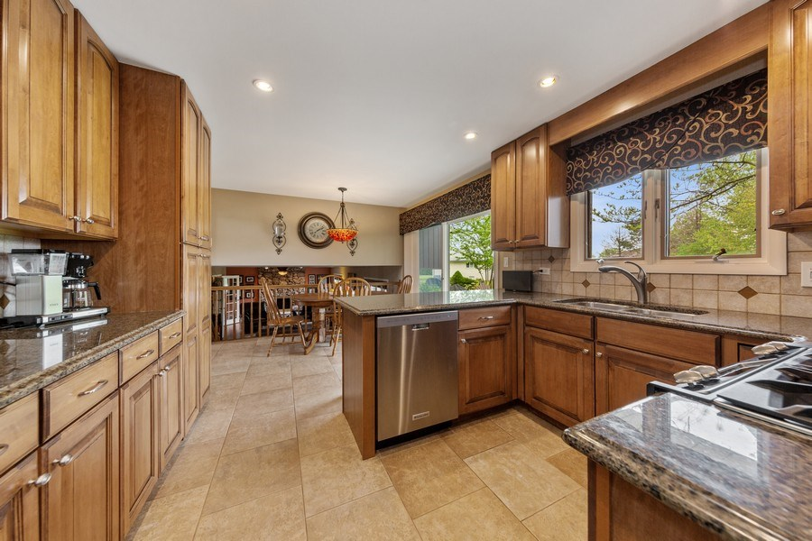 Real Estate Photography - 231 RODGERS CT, WILLOWBROOK, IL, 60527 - Kitchen