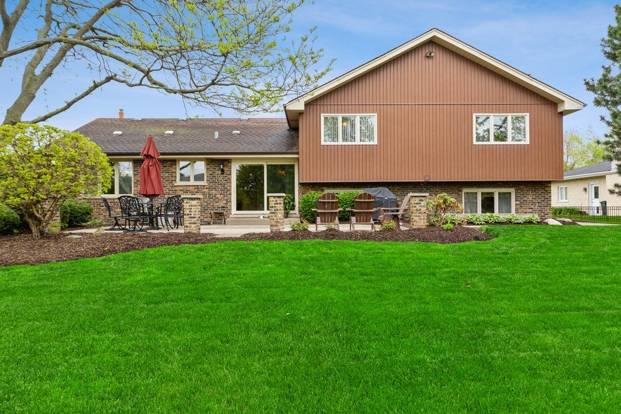 Real Estate Photography - 231 RODGERS CT, WILLOWBROOK, IL, 60527 - Rear View