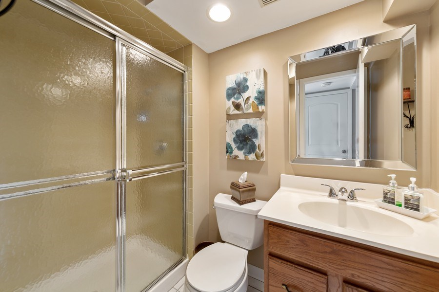 Real Estate Photography - 231 RODGERS CT, WILLOWBROOK, IL, 60527 - Bathroom