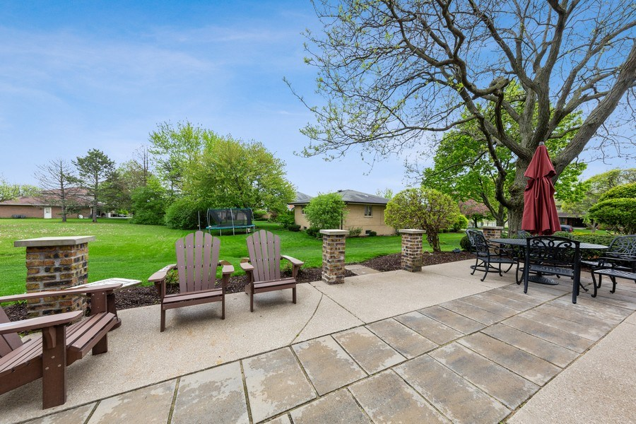 Real Estate Photography - 231 RODGERS CT, WILLOWBROOK, IL, 60527 - Patio