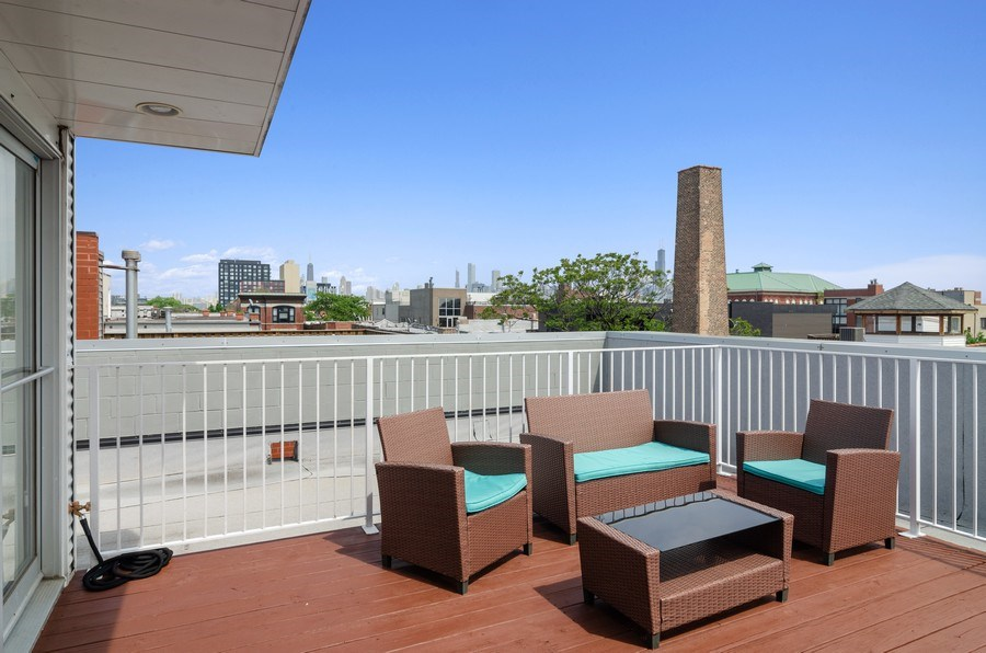 Real Estate Photography - 1919 West Crystal, #205, Chicago, IL, 60622 - Roof Deck