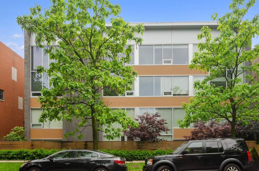 Real Estate Photography - 1919 West Crystal, #205, Chicago, IL, 60622 - Front View
