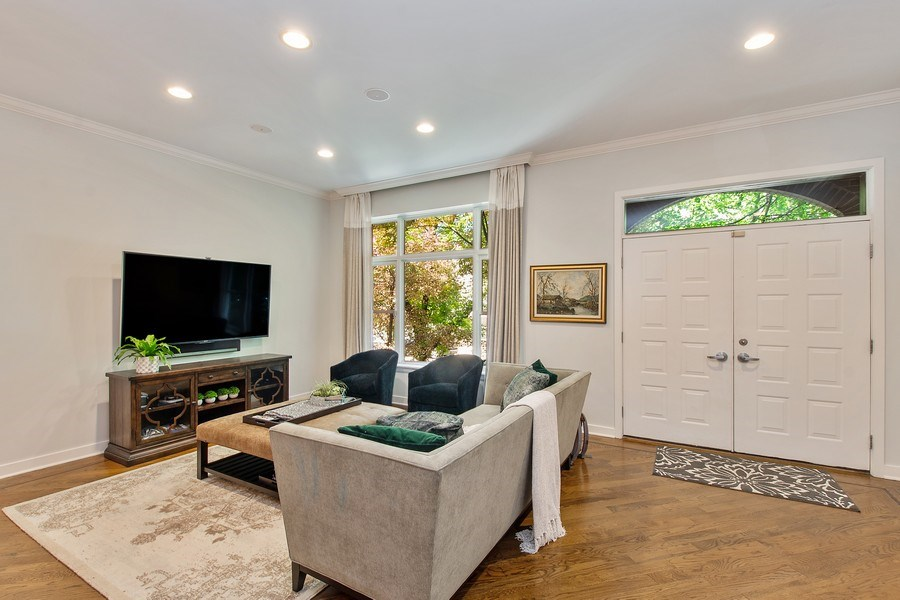 Real Estate Photography - 1545 W Altgeld St, Chicago, IL, 60614 - Living Room
