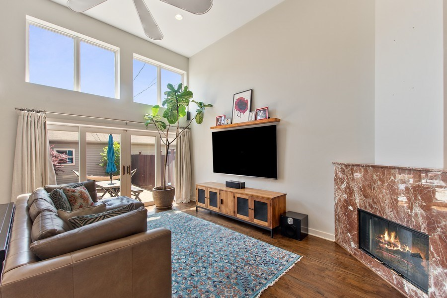Real Estate Photography - 1545 W Altgeld St, Chicago, IL, 60614 - Family Room