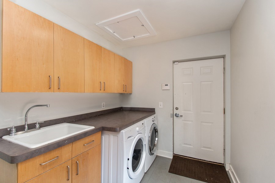 Real Estate Photography - 1545 W Altgeld St, Chicago, IL, 60614 - Laundry Room