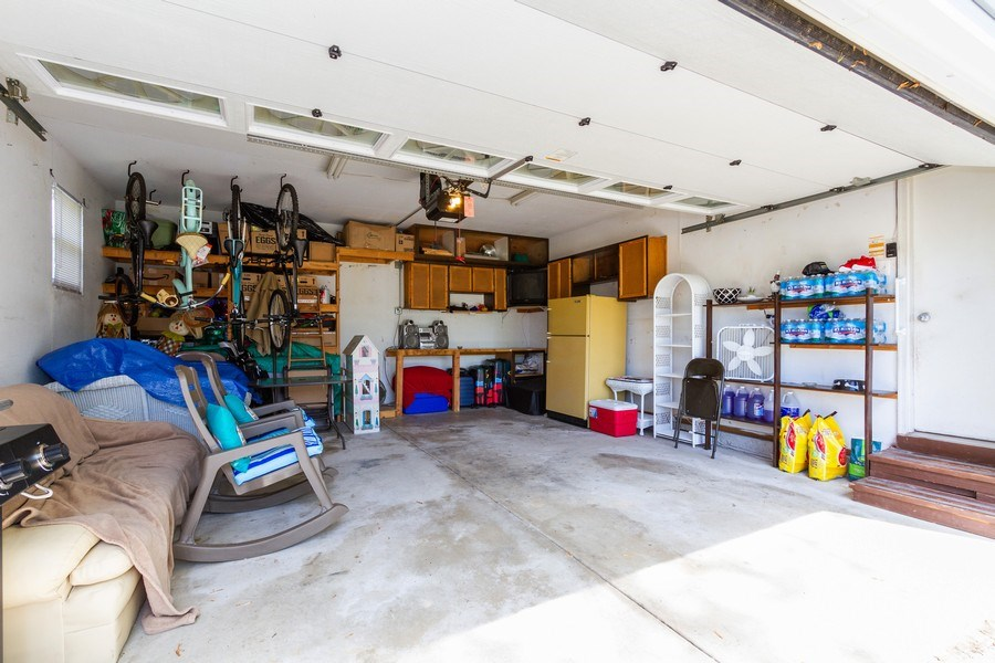 Real Estate Photography - 7565 Glenshire, Frankfort, IL, 60423 - Garage