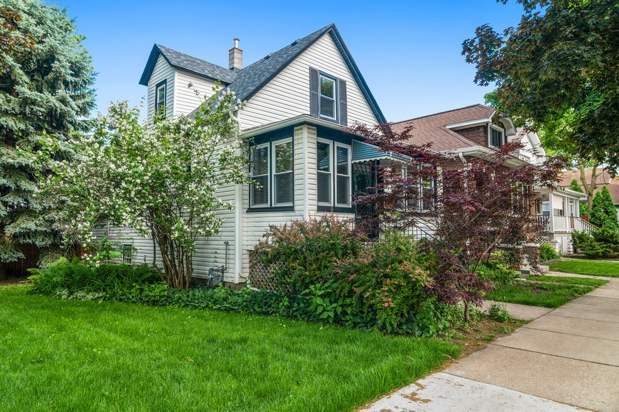 Real Estate Photography - 932 Circle Ave, Forest Park, IL, 60130 - Front View