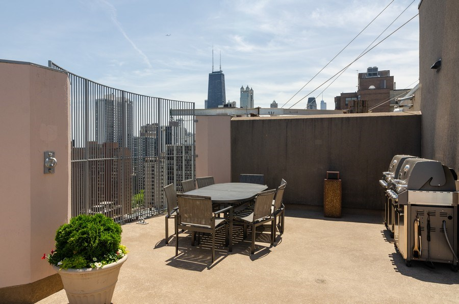 Real Estate Photography - 1440 North State Pkwy, 20D, Chicago, IL, 60610 -