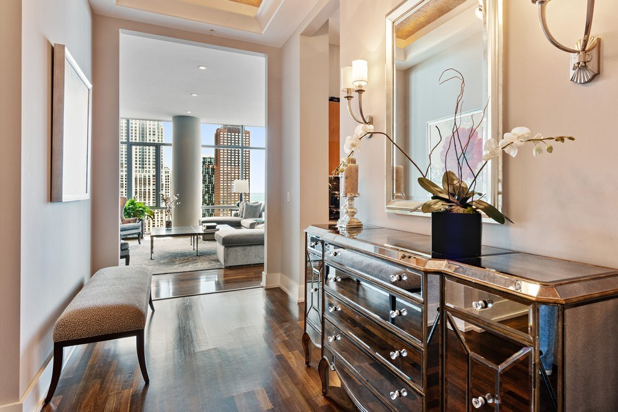 Real Estate Photography - 450 E. Waterside, Apt. 3001, Chicago, IL, 60601 - Entryway