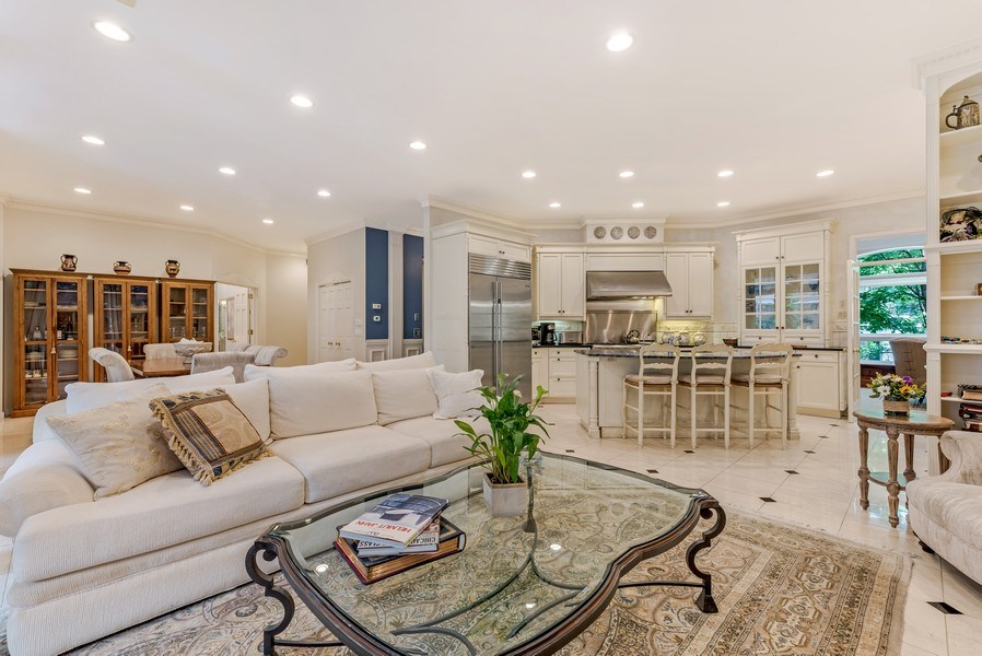 Real Estate Photography - 45 E. Cedar, Suite 2, Chicago, IL, 60610 - Living Room