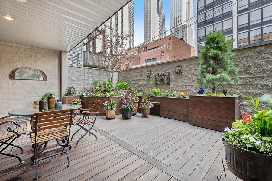 Real Estate Photography - 45 E. Cedar, Suite 2, Chicago, IL, 60610 -