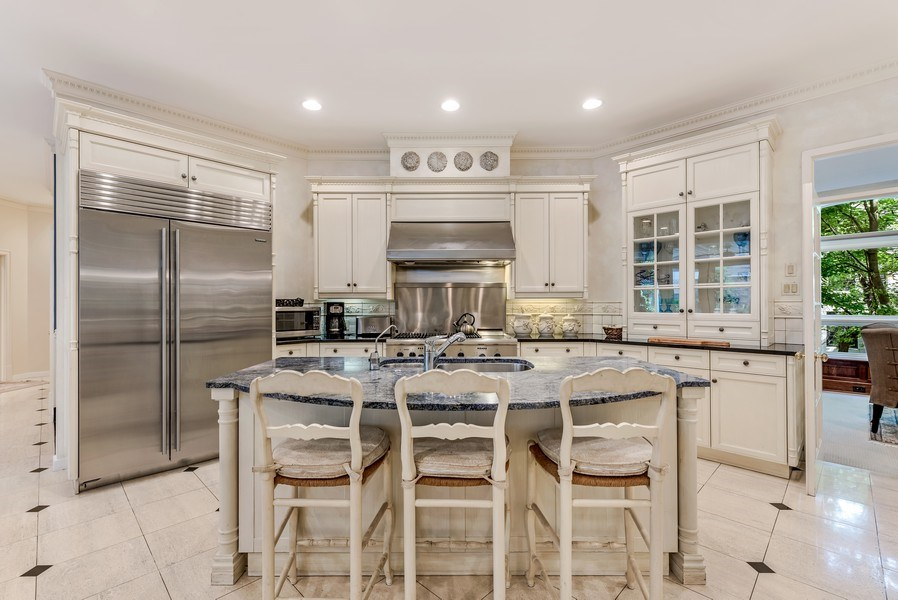 Real Estate Photography - 45 E. Cedar, Suite 2, Chicago, IL, 60610 - Kitchen