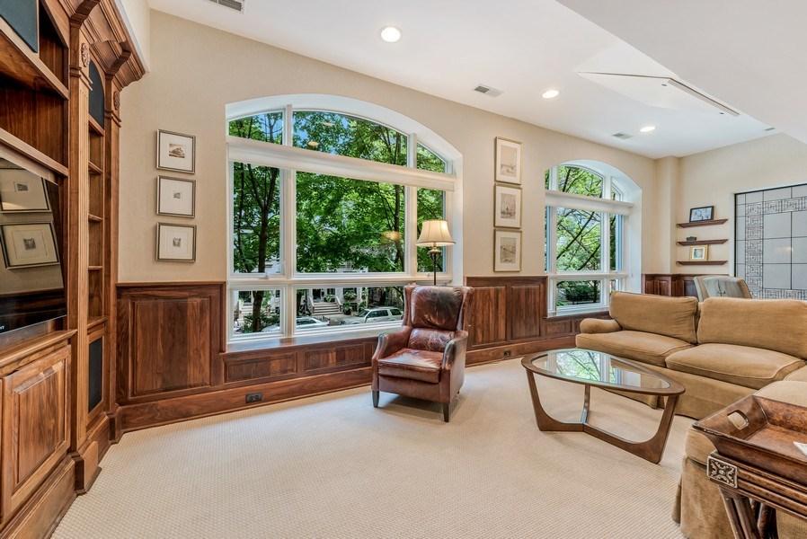 Real Estate Photography - 45 E. Cedar, Suite 2, Chicago, IL, 60610 - Den