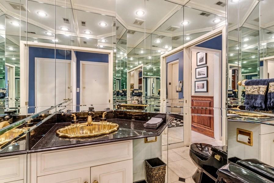 Real Estate Photography - 45 E. Cedar, Suite 2, Chicago, IL, 60610 - Half Bath