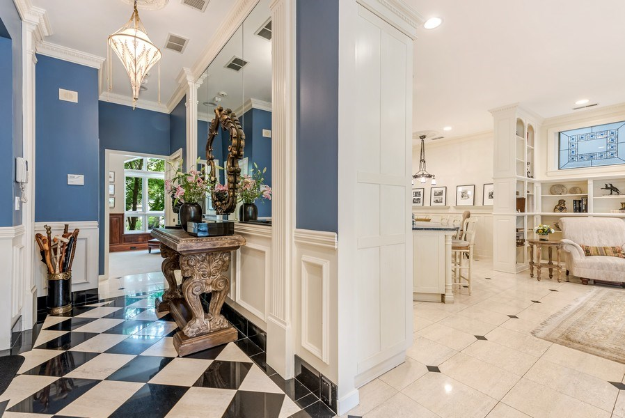 Real Estate Photography - 45 E. Cedar, Suite 2, Chicago, IL, 60610 - Entryway