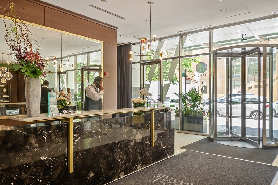 Real Estate Photography - 2 W. Delaware 1504, Chicago, IL, 60610 - Lobby
